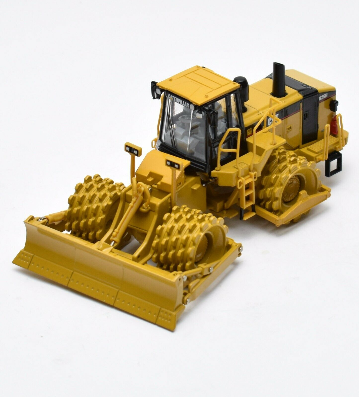 Norscot 55165 Cat 825h soil compactor caterpillar, OVP, 1 50, s010
