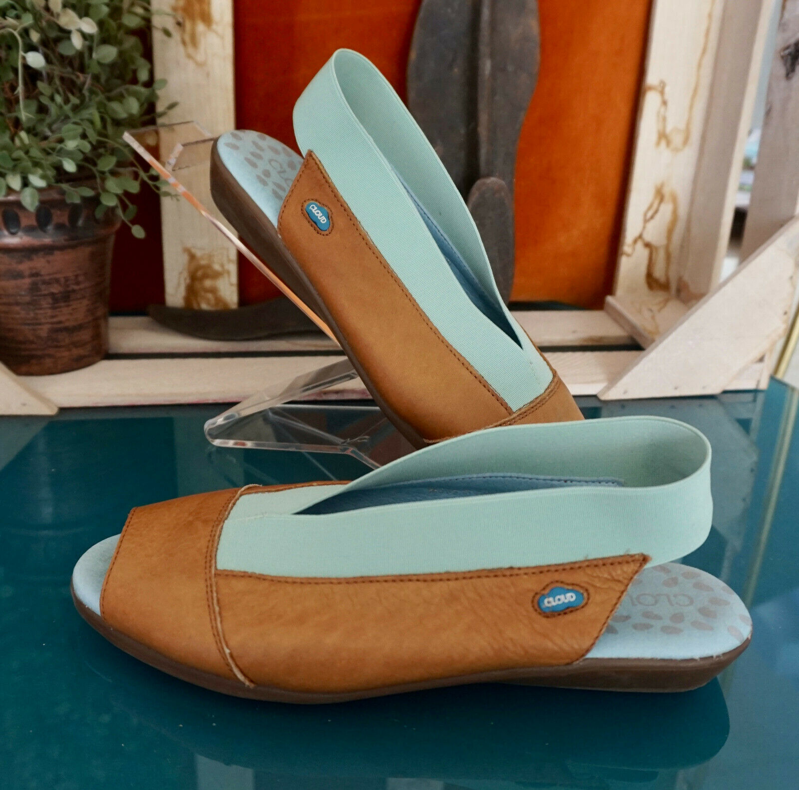 Brown Leather Shoes by Cloud - Size 36 (US 6)