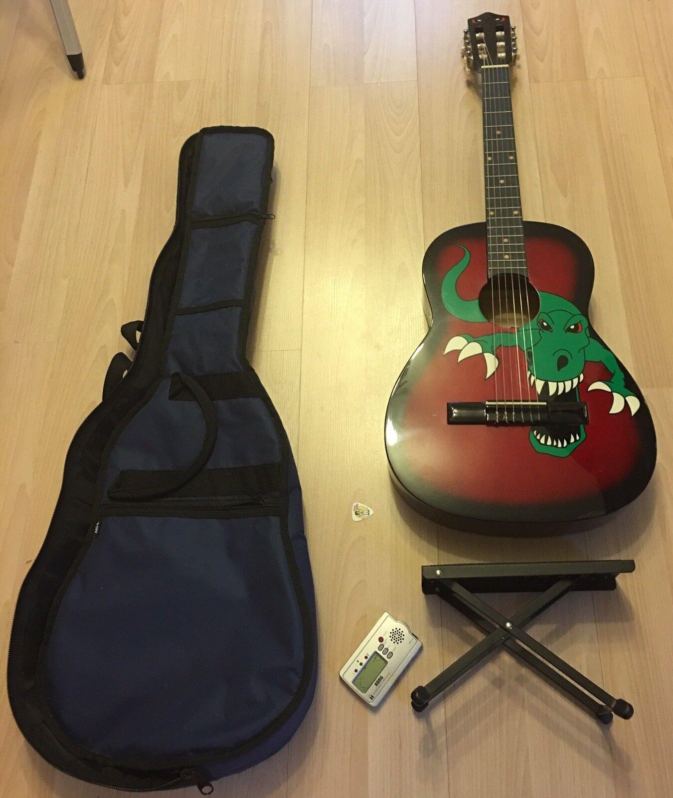 3/4 Kinder Gitarre von Stagg mit Dinomotiv & Zubehör