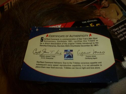 NEW ON CARD STAR TREK 25TH ANNIVERSARY OFFICAL TRIBBLE 1991 PARAMOUNT VINTAGE />/>