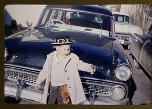 35mm-Kodachrome-1950-039-s-Slide-Classic-Car-Boy-Posing-toy-gun-cowboy-holster-1959