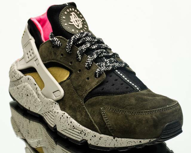 NIB MEN'S NIKE AIR HUARACHE RUN PREMIUM SHOES DESERT MOSS RARE SIZE 9 FASTSHIP