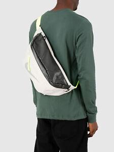 Farmacología locutor Leonardoda  Nike Tech Sportswear Winterized Hip Pack Zip Waist Bag Bum Bag Fanny Pack  Belt | eBay