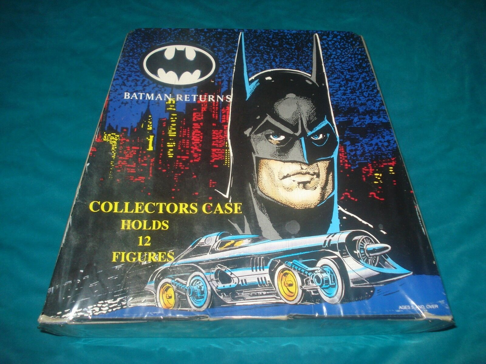 VINTAGE 1992 DC COMICS BATMAN RETURNS COLLECTOR'S VINYL 12 FIGURE CARRYING CASE
