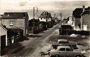 CPA-Coutainville-Rue-Scene-Cote-Nord-632974