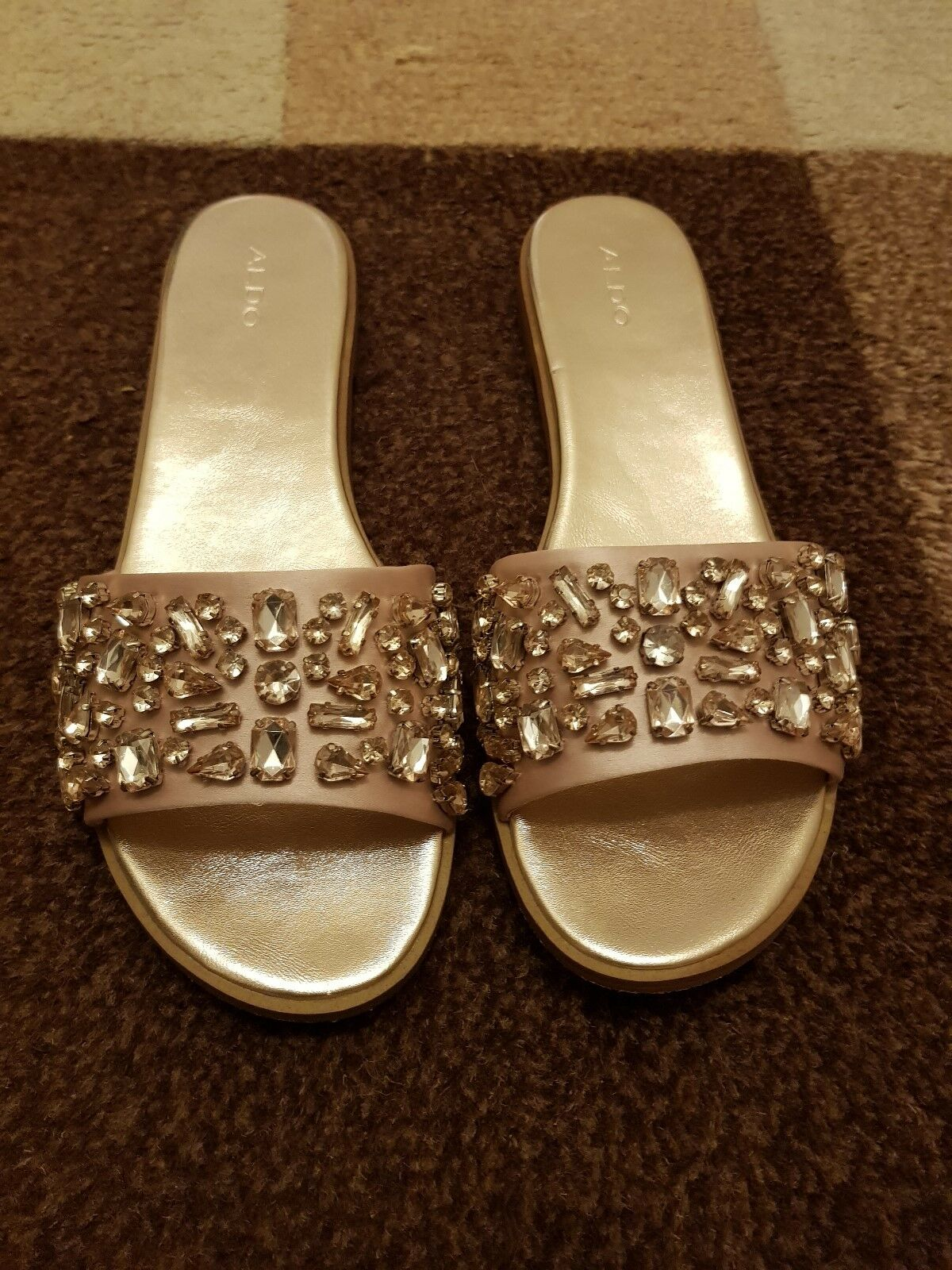 Verkaufe die Pantoletten Größe 41 in bronze von ALDO mit Steinen - nur einmal ku