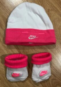 Baby NIKE Beanie And Booties Size 0-6 Months Pink And White  b2aa39772e4