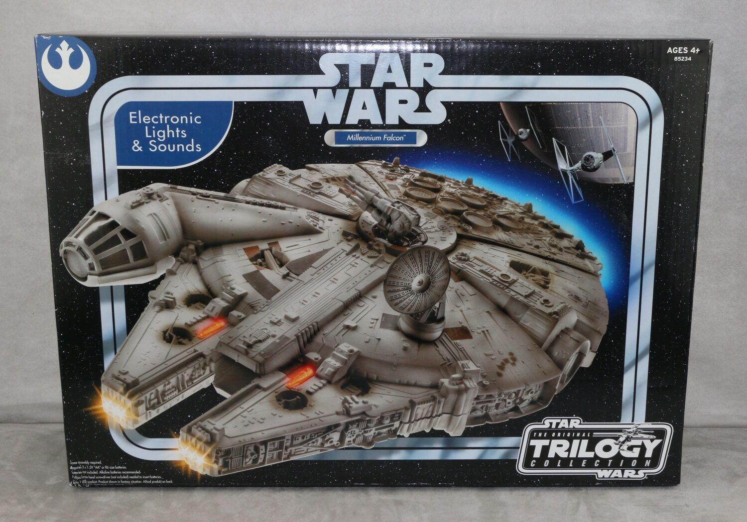 Star Wars The Original Trilogy Collection Millineum Falcon 2004 Factory Sealed