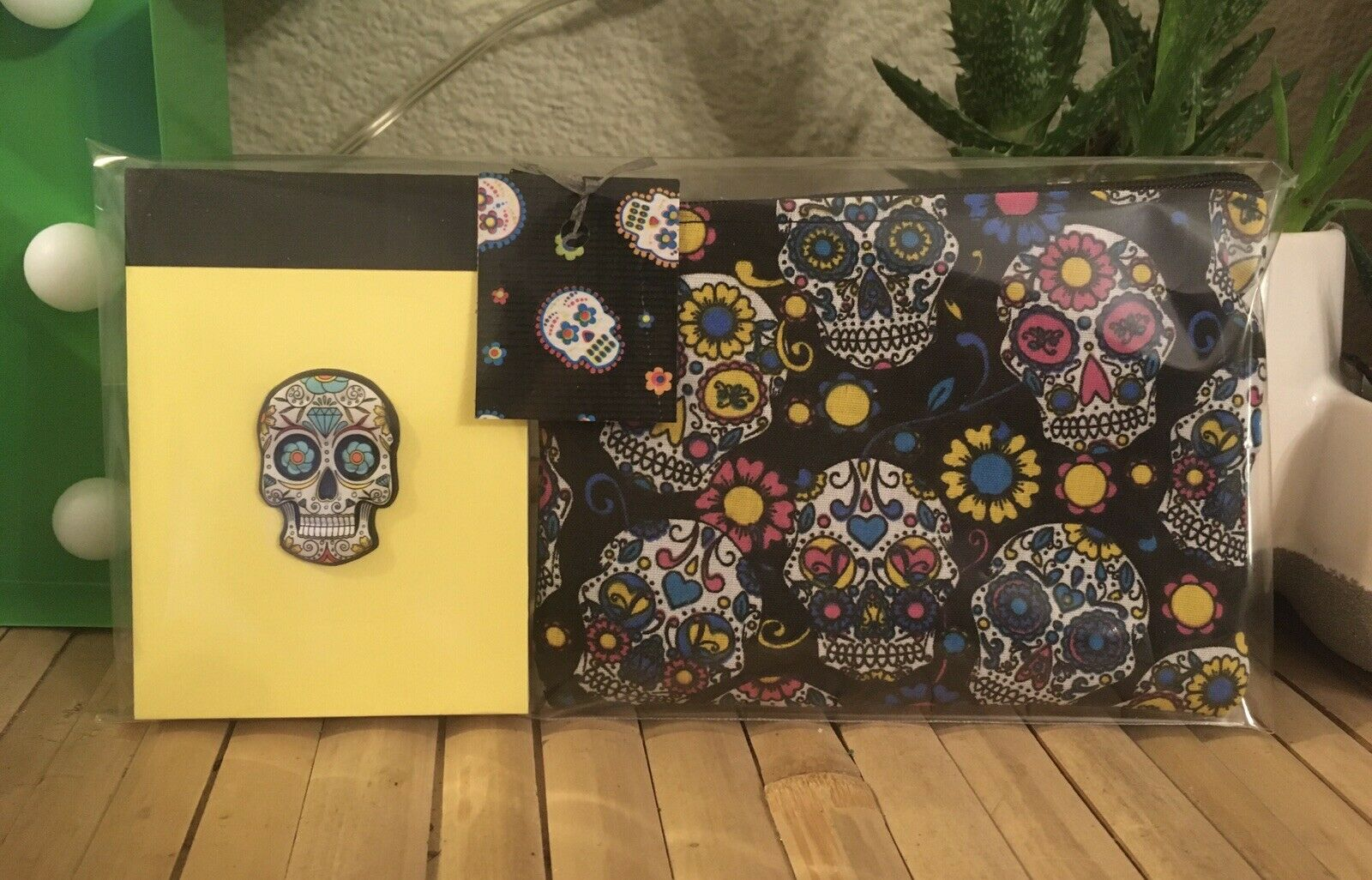 Funky Sugar Skull Day Of The Dead Cosmetic Bag +a7 Yellow Notebook 2pc Gift Set