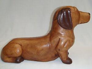 Wooden-Sitting-Daschund-Sausage-Dog-handcarved-in-Thailand-38cm-long-Brand-New