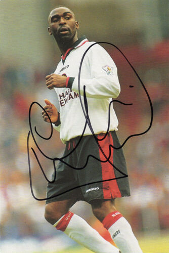 Andy Cole, Manchester United, England, signed 6x4 inch photo. COA.