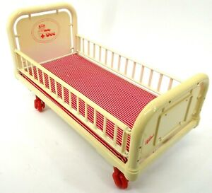 Vintage-Zapf-Creation-Baby-Doc-Doll-Bed-G619