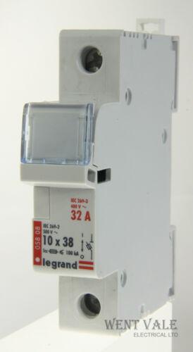 Cartridge Fuse Holder Used max 058 08-10 x 38 32amp Legrand Lexic