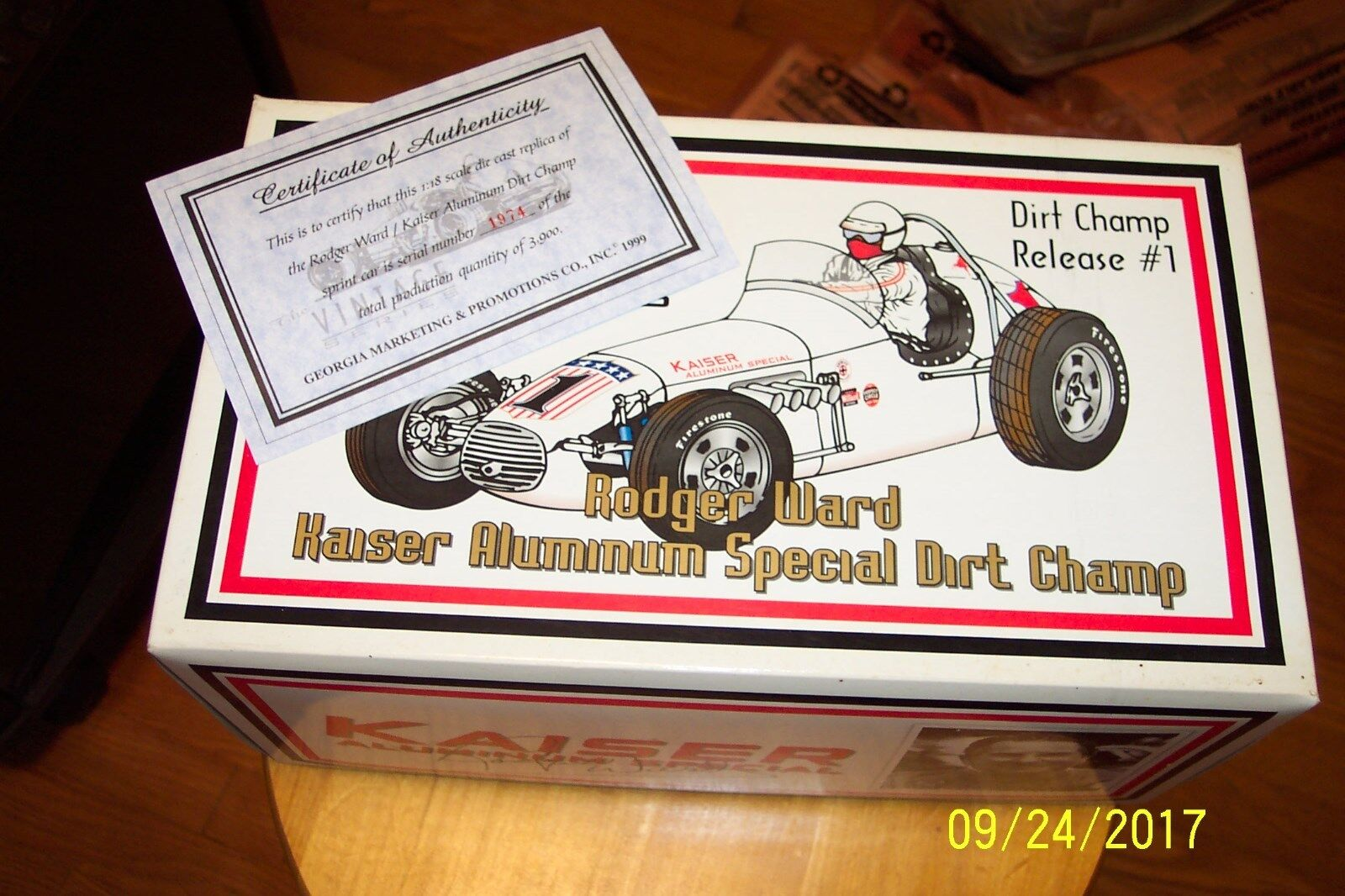 1 18 Die Cast GMP VINTAGE LE DIRT CHAMP  1 1 OF 3900 Rodger Ward SPECIAL.  1