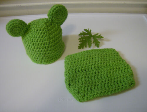 Photo Prop Hand Crochet Newborn Baby Green Froggie Beanie and Diaper Cover