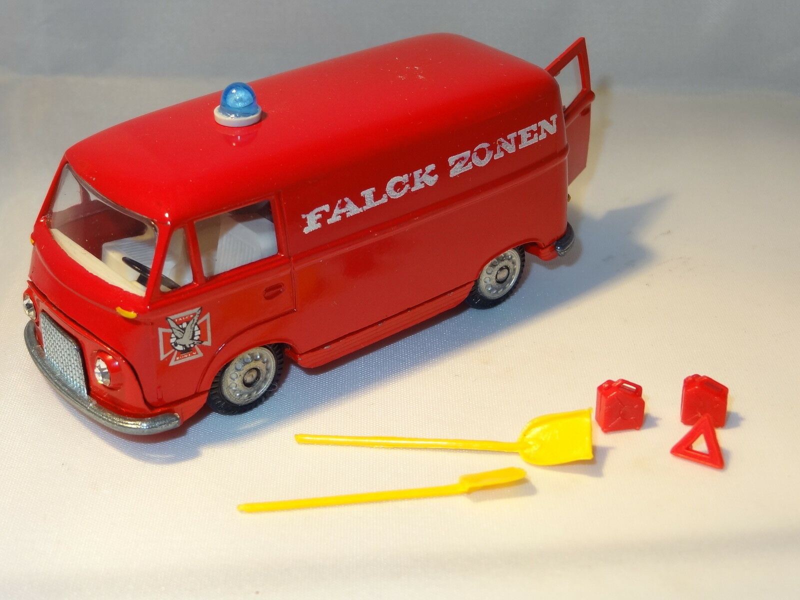 Tekno FORD TAUNUS TRANSIT FIRE SERVICE WITH ACCESSORIES