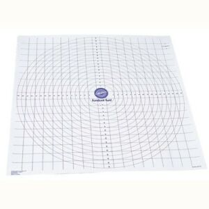 Wilton-Roll-And-Cut-Mat-Fondant-Dough-Measured-Grid-Cutting-Board-New
