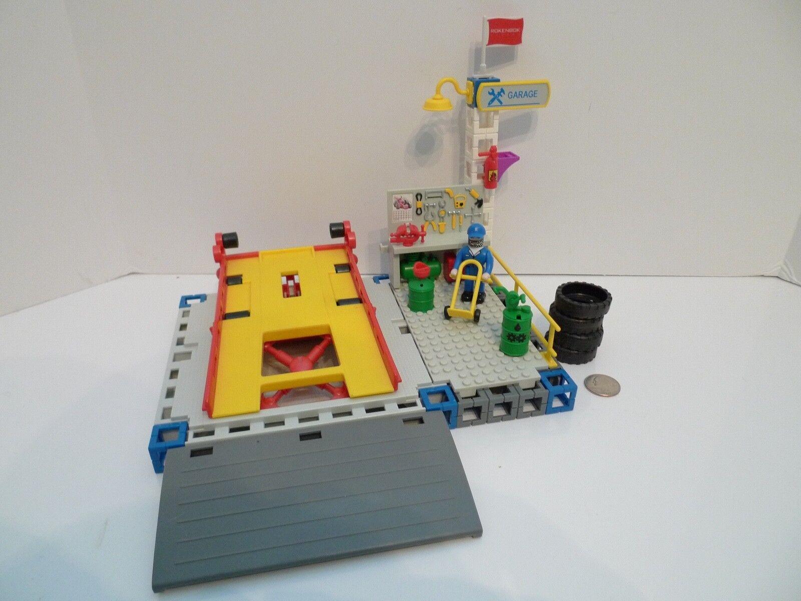 Rokenbok Vehicle Lift Garage service Set w  Figure