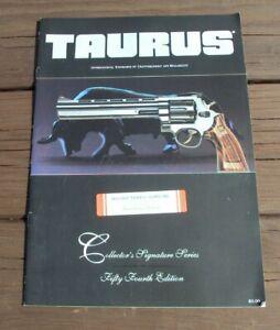 Initiative Taurus ~ Collector's Signature Series 54th Ed ~ Pistolet Catalogue Brochure ~ 25 Pages-afficher Le Titre D'origine Soulager La Chaleur Et La Soif.