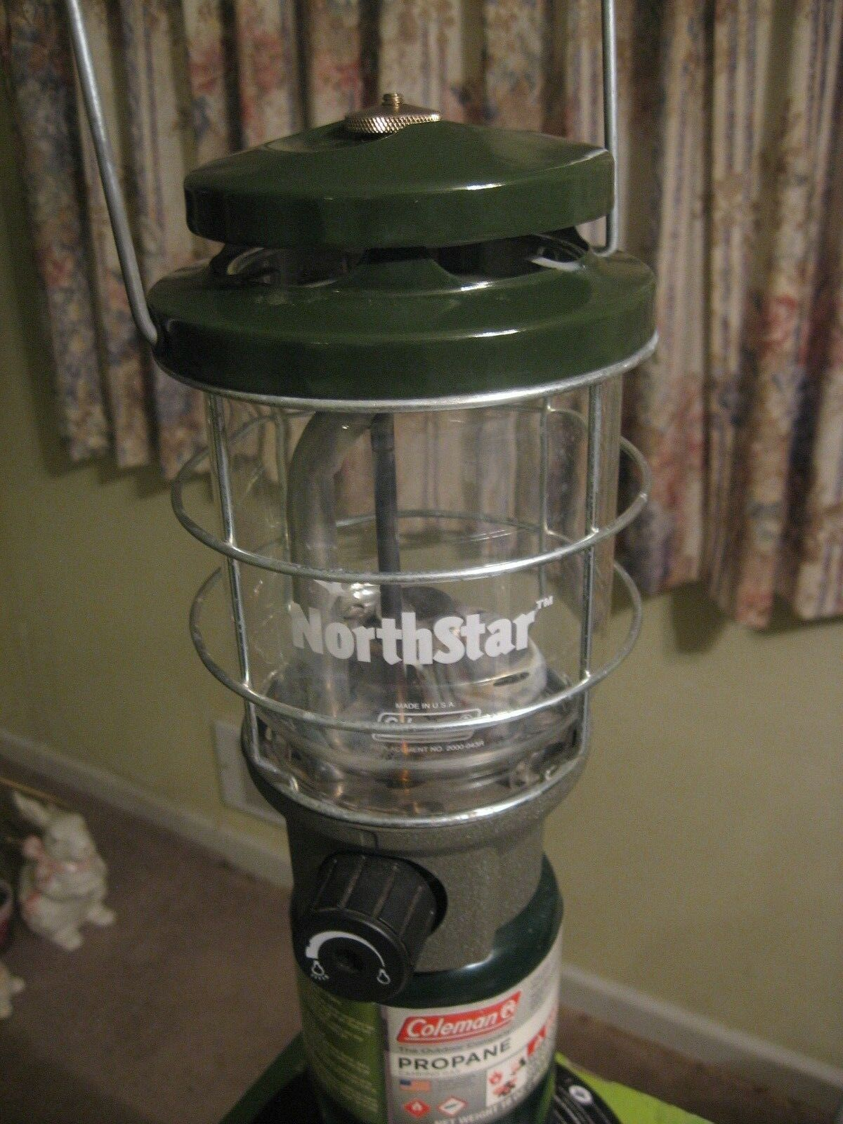 COLEMAN NORTHSTAR  PROPANE LANTERN in Excellent Condition    we supply the best