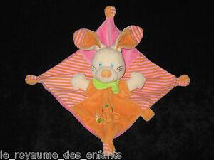 Doudou-carre-plat-Lapin-rose-orange-raye-Nicotoy-carotte-escargot-attache-tetine