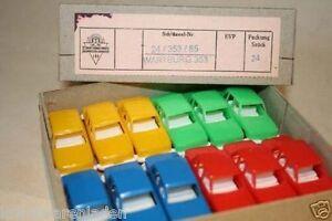 DDR-Spielzeug-kleine-Wartburg-353-orig-Box-24-Stueck