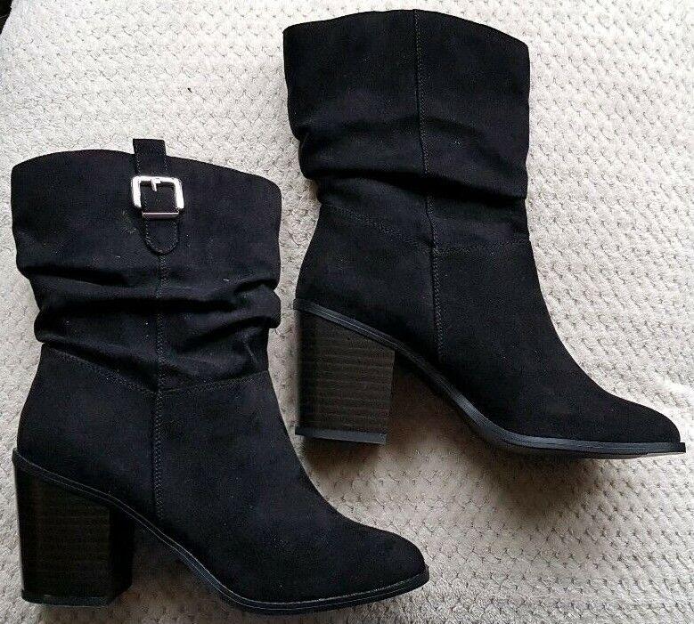 Ladies Size 7 NEW LOOK brand New Black Boots. Slip On & Stylish. Block heel.