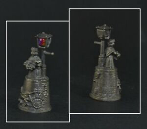 CRIES OF LONDON PEWTER THIMBLE - FLOWER SELLER