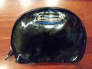 BETSEY JOHNSON Patent Leather Wallet Wristlet NEW $59