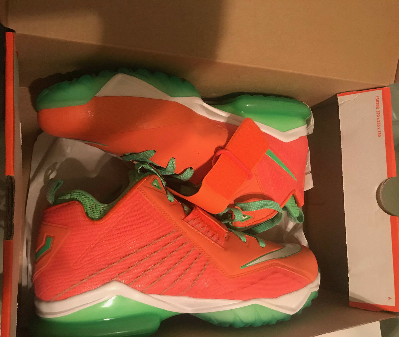 Nike Zoom CJ Trainer 2 Mens shoes Size 11.5 orange and Green