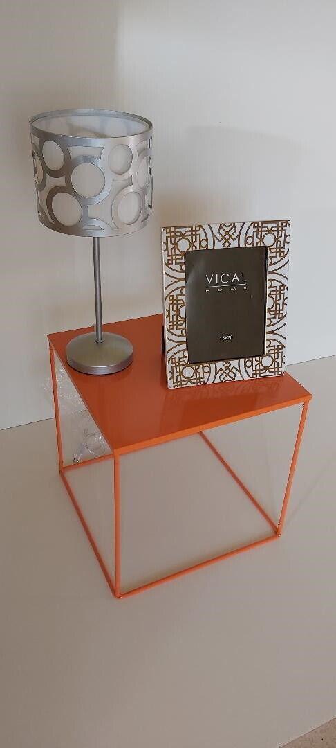 mesita de noche mesa auxiliar metalica color naranja