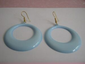 BLUE-PLASTIC-HOOP-EARRINGS-ON-MIXED-METAL-WIRES-SIZE-45-mm-large