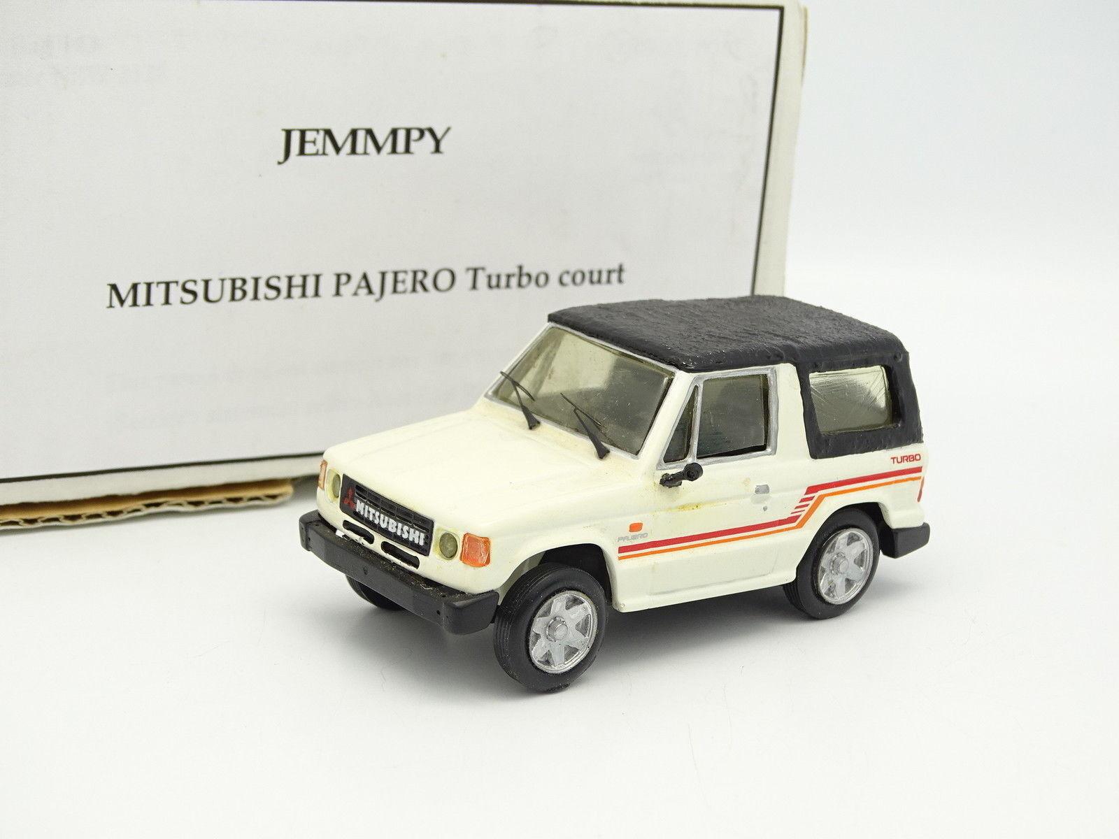 Dans l'attente de la ville, retenant votre souffle Jemmpy Kit Monté 1/43 Mitsubishi Pajero Turbo Court Blanc   Service Supremacy