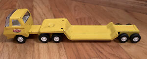 Vintage-Tonka-Semi-Truck-and-Trailer-Mini-Yellow-Pressed-Steel-1970-039-s-2-Pieces
