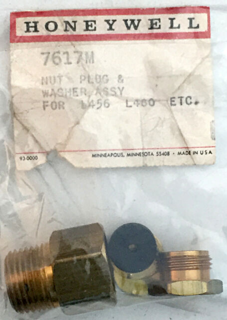 "Nut Plug /& Washer Assy New Honeywell 7617M 1//2/"" NPT Brass Compression Fitting"