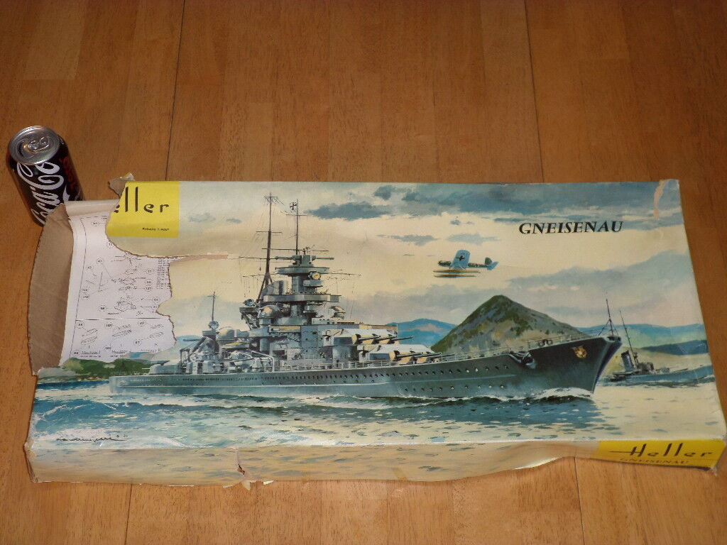WWGERMAN GNEISENAU BATTLECRUISER, Plastic Model Kit, Scale 1 400, Vintage