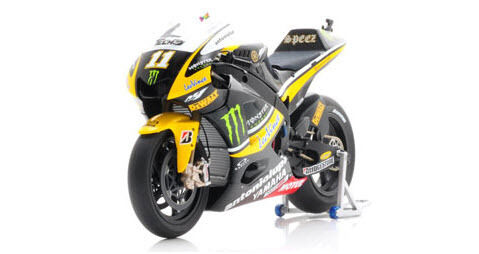 Tech 3 Yamaha YZR-M1 2010 1 12 Ben Spies