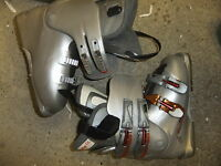 Ski  boots SALOMON Performa 24-24.5 mondeo size 5 UK silver used