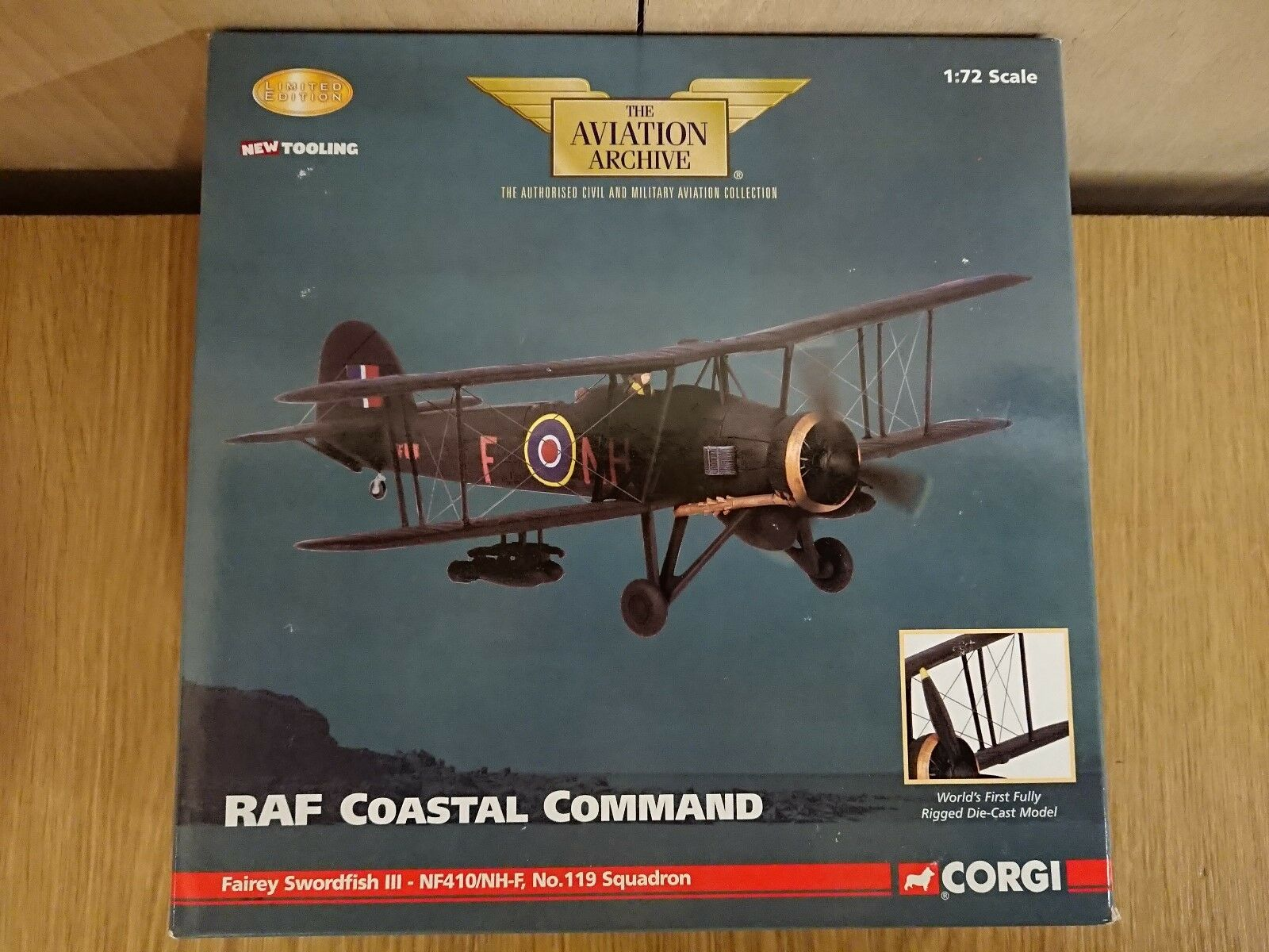CORGI AA36304 RAF COASTAL COMMAND Fairey Swordfish III 1945 LTD ED. 0002 de 2640