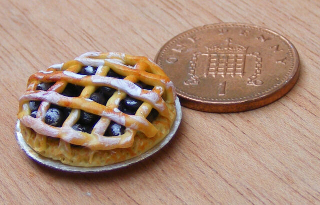 1:12 Jam Lattice Tart Doll House Miniature Bakery Kitchen Pie Accessory D21