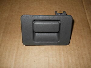 2002 2005 ford explorer mercury mountaineer glovebox latch for 2002 ford explorer rear window latch