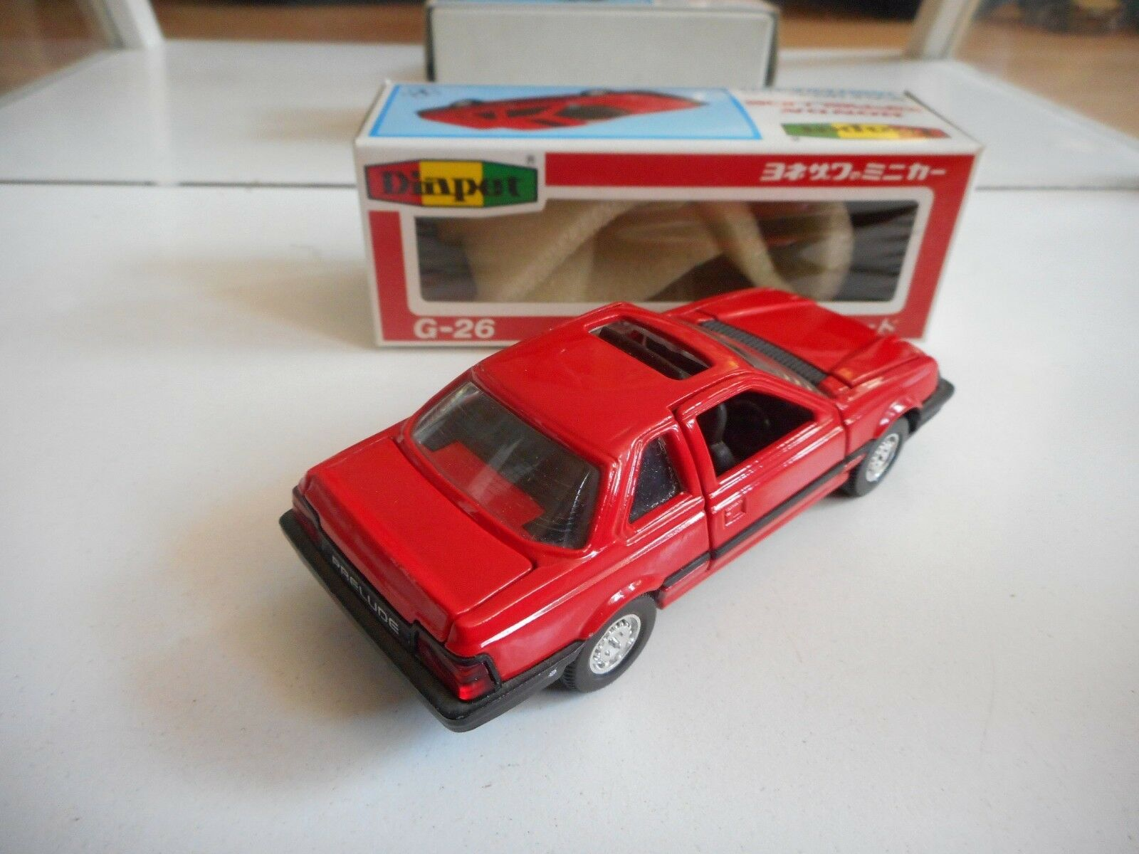 Yonezawa Toys Diapet Honda New Prelude in in in rojo on 1 40 in Box 8b34bd