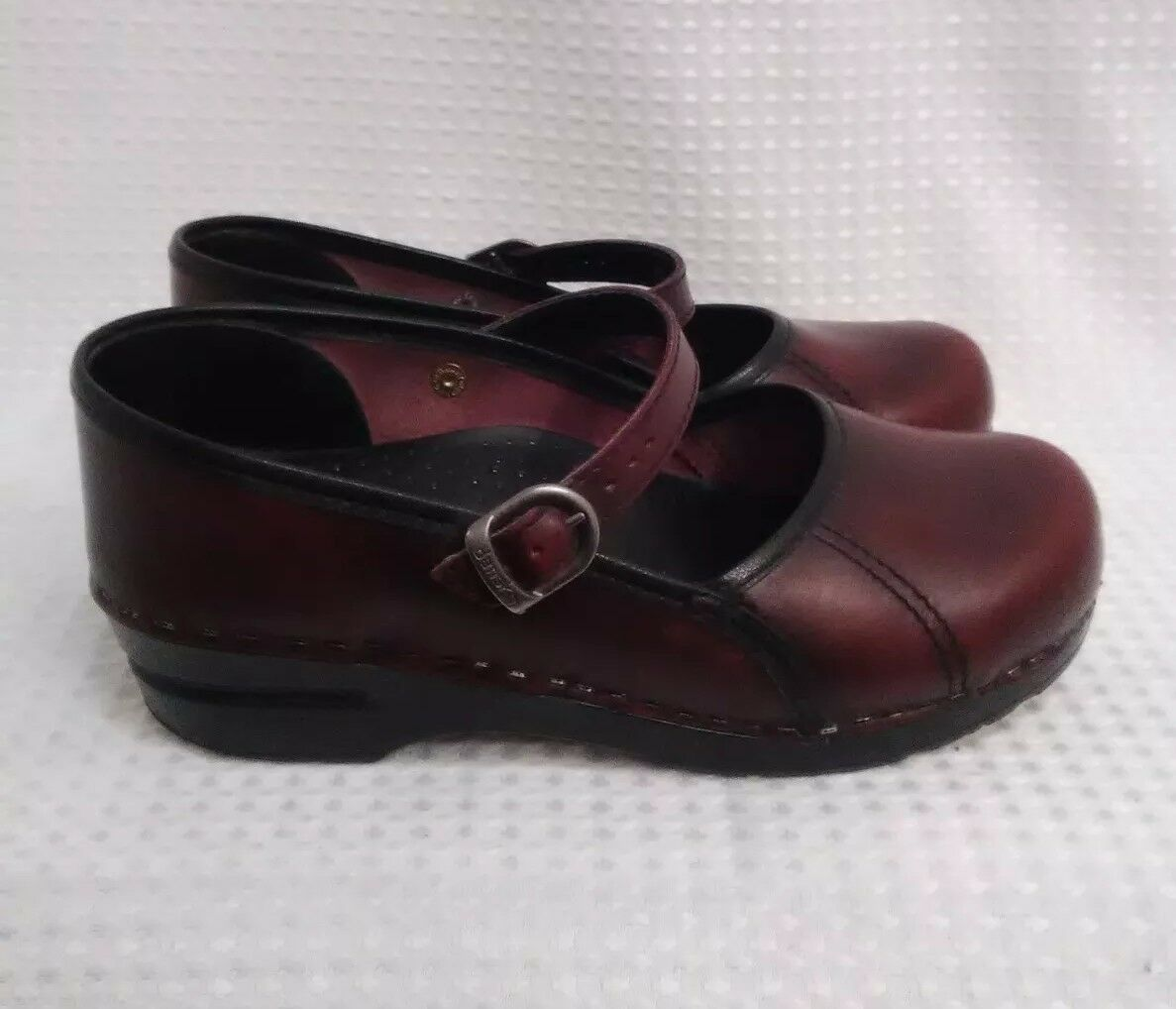 Dansko Leather Mary Jane Jane Jane rot braun slip on schuhe damen Größe 8 buckle ed2574