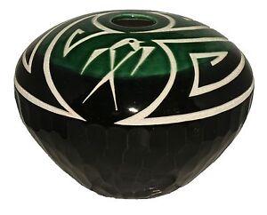 Native-American-pottery-by-Keith-Chino-Acoma