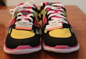 Danskin-Now-Youth-Girls-Size-6-y-Running-Shoes-with-ReflectiveTechnology
