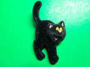 VINTAGE-HALLMARK-FLOCKED-BLACK-KITTY-CAT-HALLOWEEN-LAPEL-PIN-H218