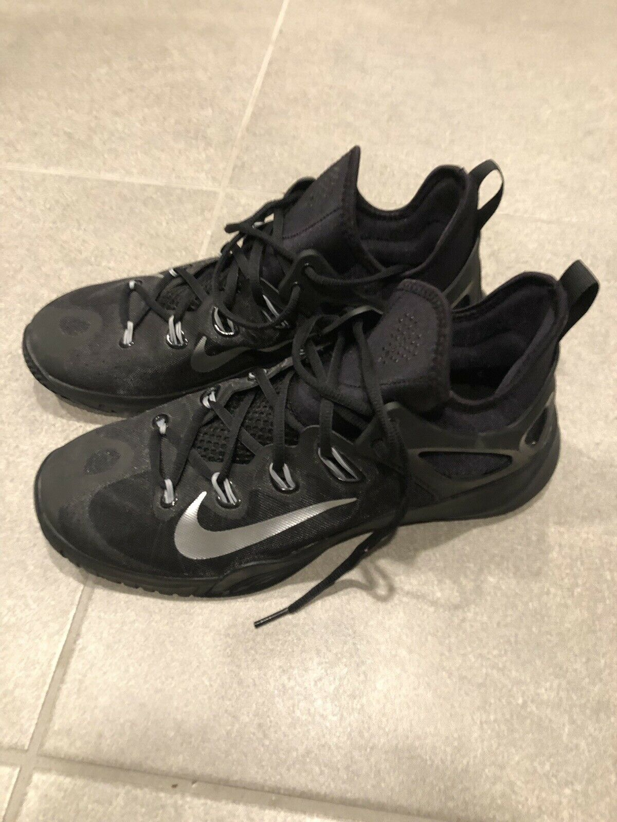 Black Nike Basketball shoes Size 11