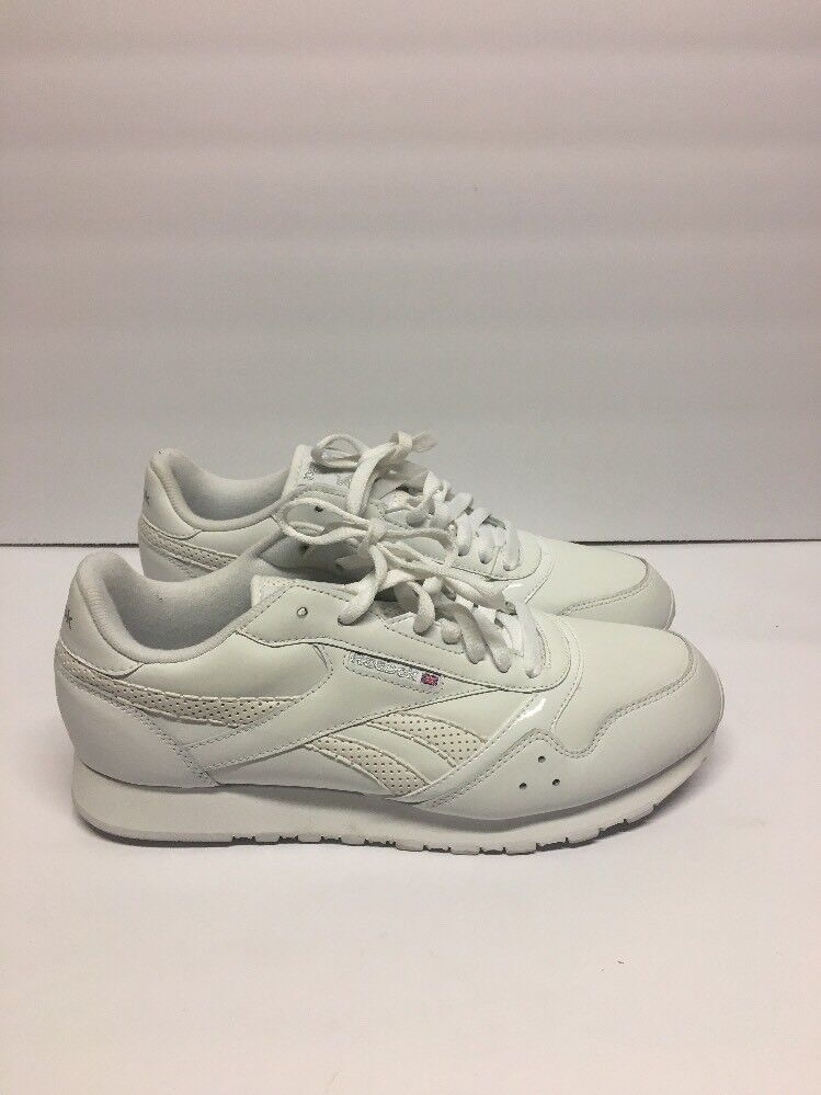 Reebok Classic Womens White Athletic shoes Size 10 ()