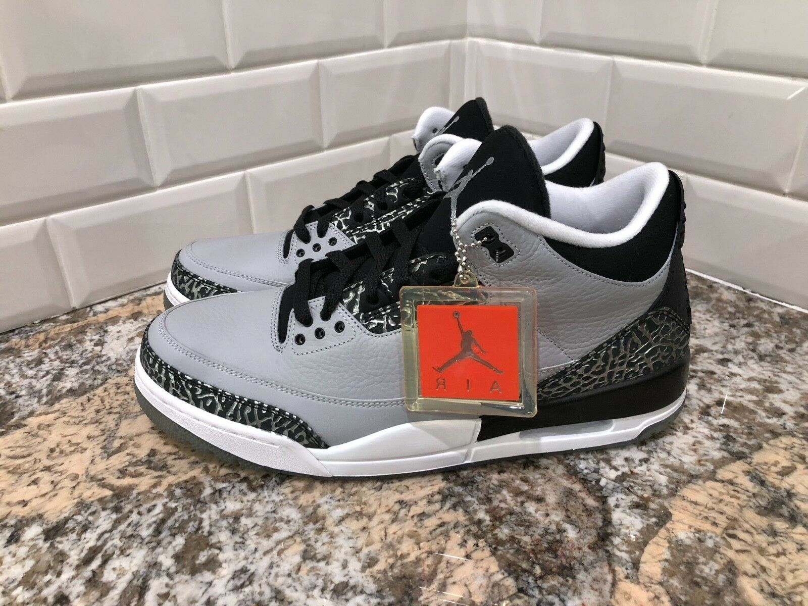 newest fcbaa c38c0 Nike Nike Nike Air Jordan 3 Retro Wolf Grey Metallic Silver Black SZ 12  136064-