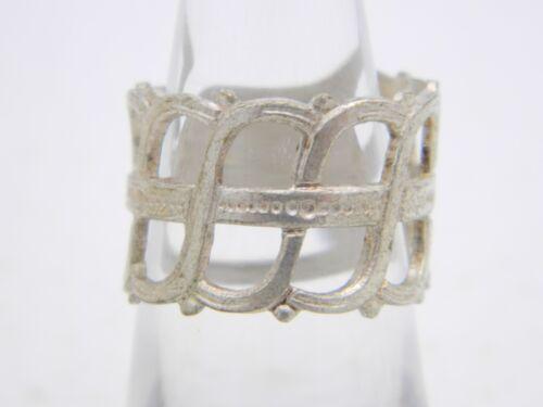 Vintage Goldtone and Silvertone Design Ring Size 6.25